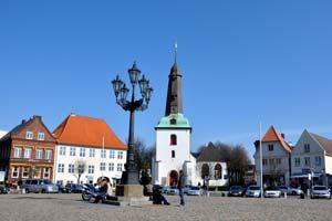 2-2-kirche-und-markt