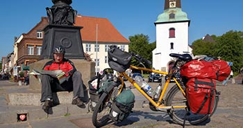 Mit dem Fahrrad / By bike