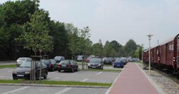 Parkplätze / Parking spaces